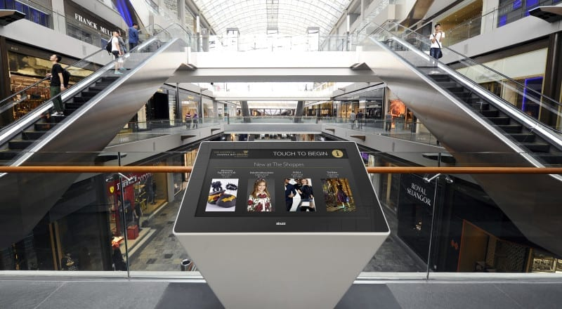 Zytronic 4k display in a shopping centre