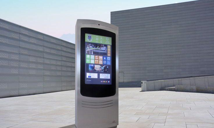 Zytronic multi touch screen kiosk on rooftop